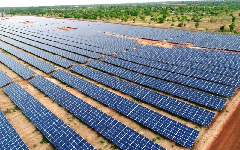 Ouest-Afrique/West Africa – La BAD appuie financièrement le projet solaire  d'électrification rurale « Yeleen » au Burkina Faso